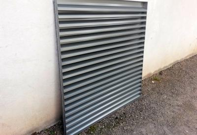 120 x 120 cm dydžio ventiliacinės skardinės grotelės